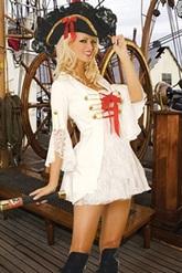 Пиратская тема - Помощница Капитана Флинта в белом